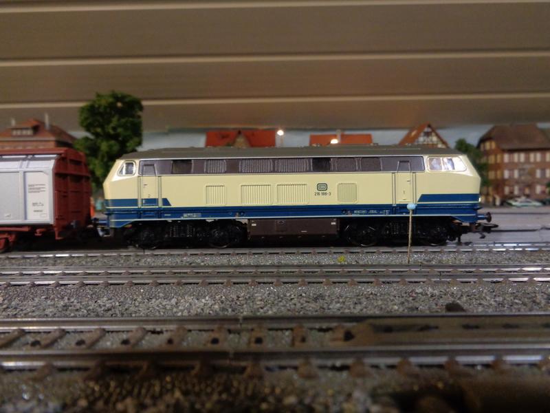 BR 216 188-3 hat eine Revision erhalten Dsc00148wbs8f