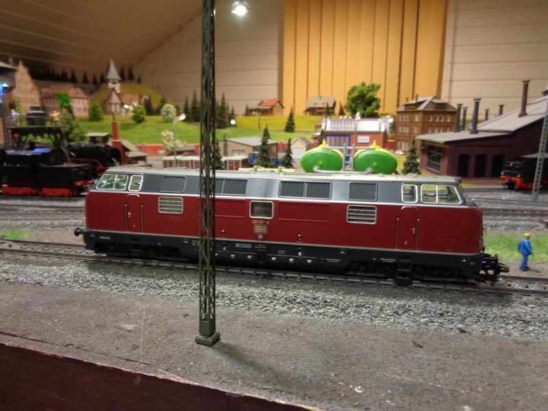 Heute habe ich eine weitere BR 221 bekommen Dsc002248cu1x