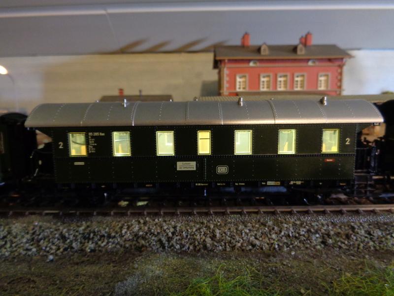 Mein neuer Personenzug Dsc016472oj6u