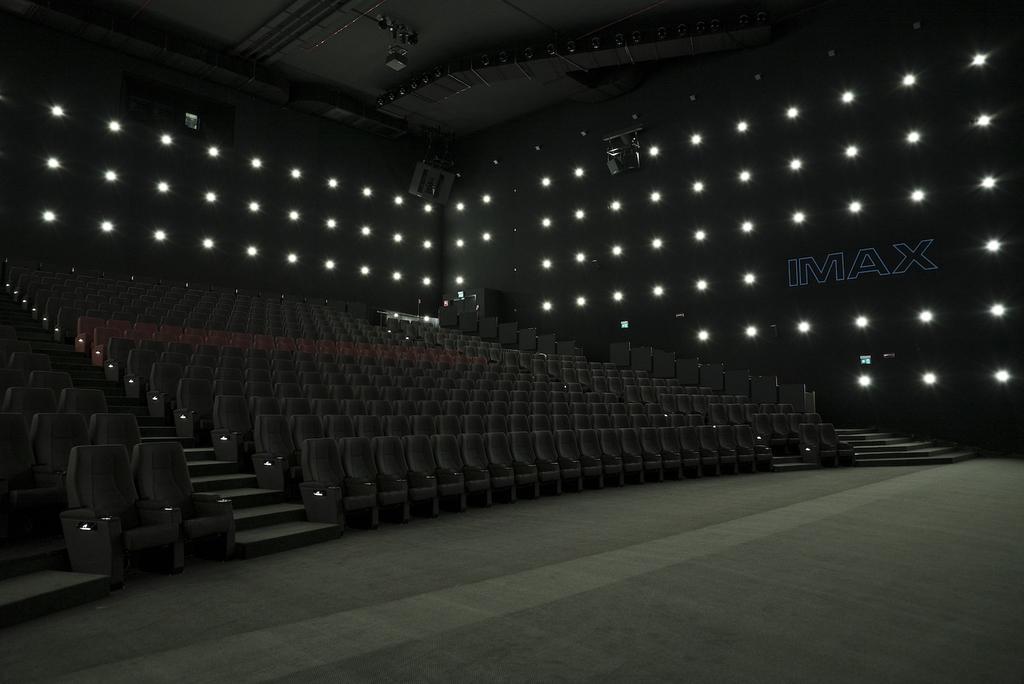 новые практичные фото залов кинотеатра в маркос молл третьем