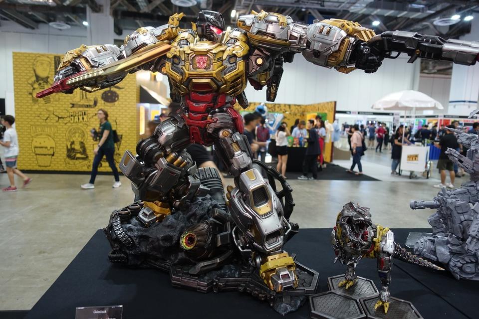 Premium Collectibles : Transformers - Grimlock (G1) Dsc01886y6jhx