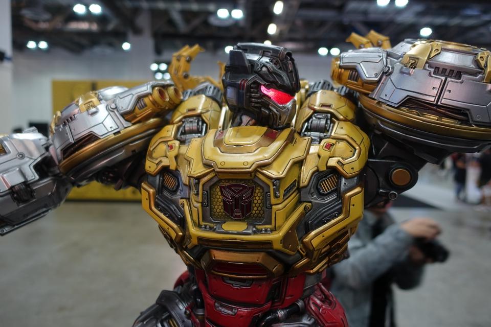 Premium Collectibles : Transformers - Grimlock (G1) Dsc01887y8kiu