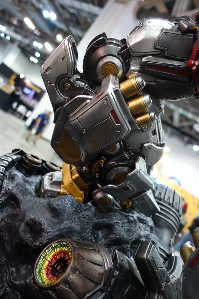 Premium Collectibles : Transformers - Grimlock (G1) Dsc01891jwjqp