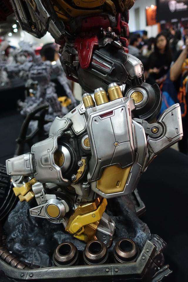 Premium Collectibles : Transformers - Grimlock (G1) Dsc01896bukwi