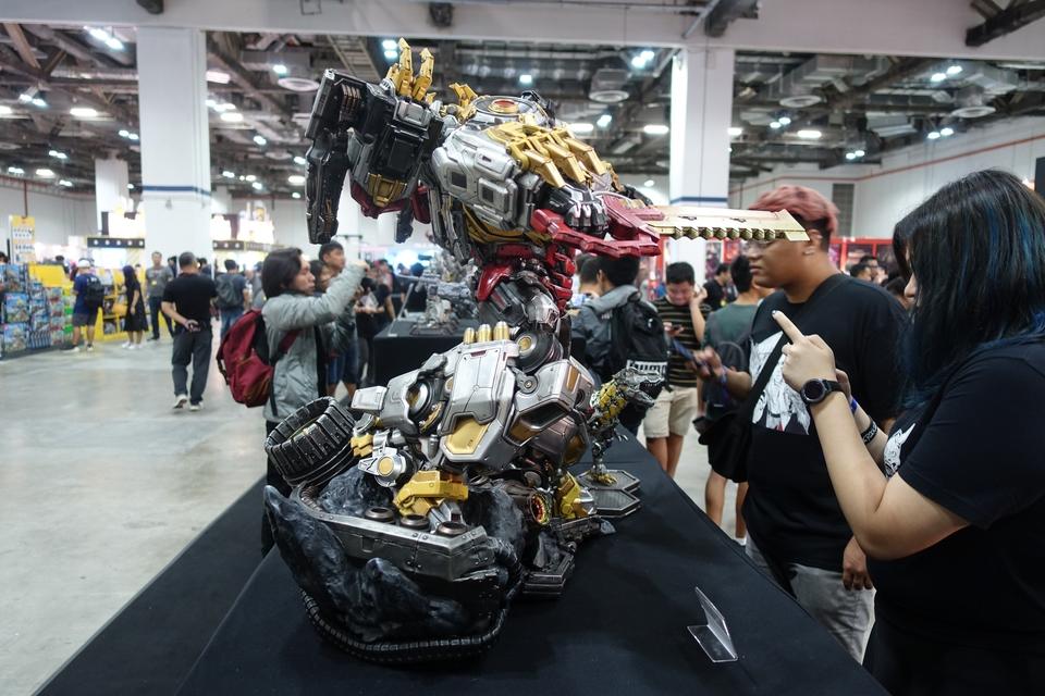 Premium Collectibles : Transformers - Grimlock (G1) Dsc018984mjgf