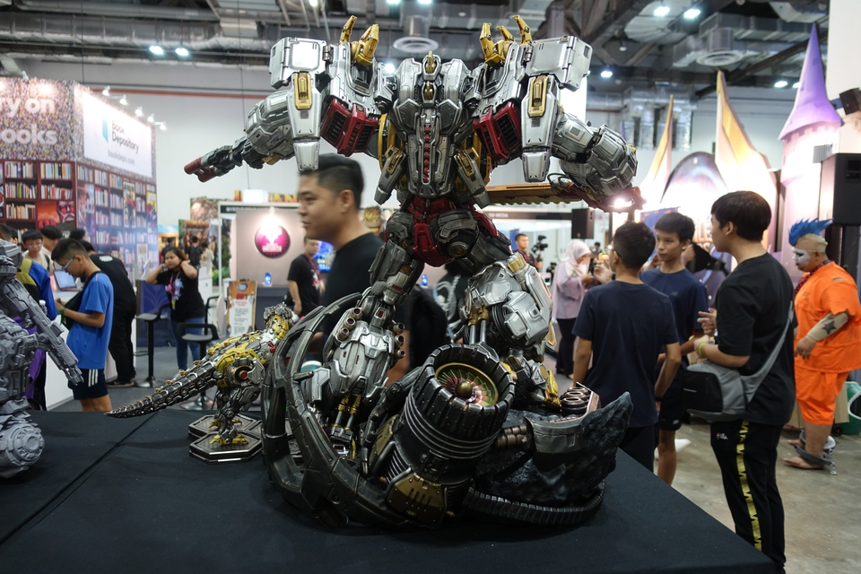 Premium Collectibles : Transformers - Grimlock (G1) Dsc01899haj29
