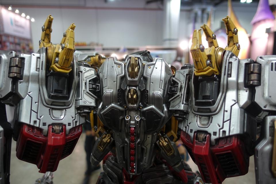 Premium Collectibles : Transformers - Grimlock (G1) Dsc01901qajxo