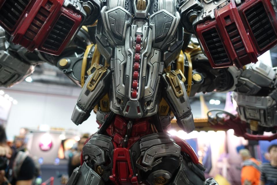 Premium Collectibles : Transformers - Grimlock (G1) Dsc01903rnkbu