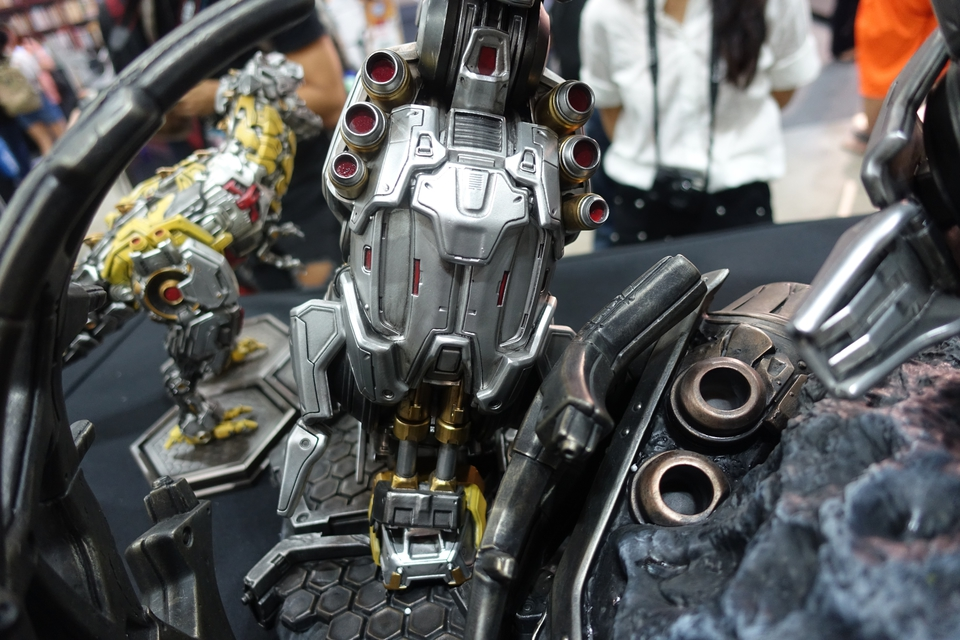 Premium Collectibles : Transformers - Grimlock (G1) Dsc01906gaje7