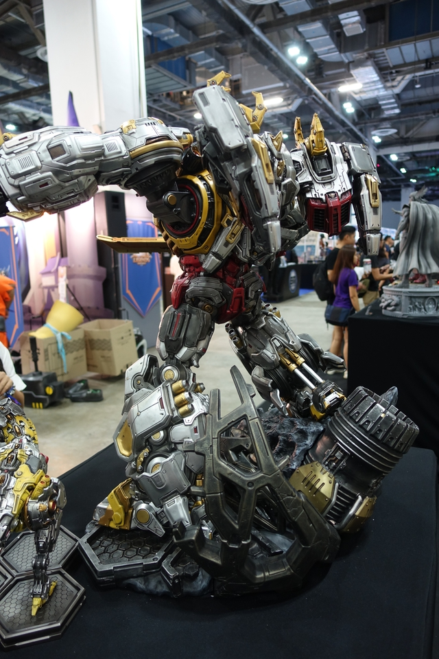 Premium Collectibles : Transformers - Grimlock (G1) Dsc019070kjwd