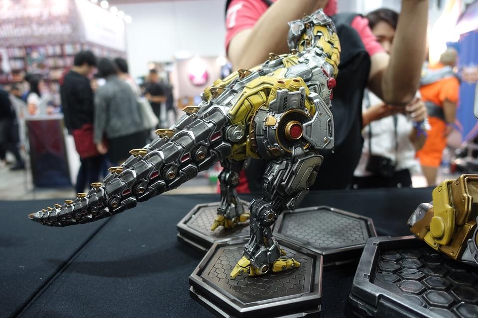 Premium Collectibles : Transformers - Grimlock (G1) Dsc01910t4kpg
