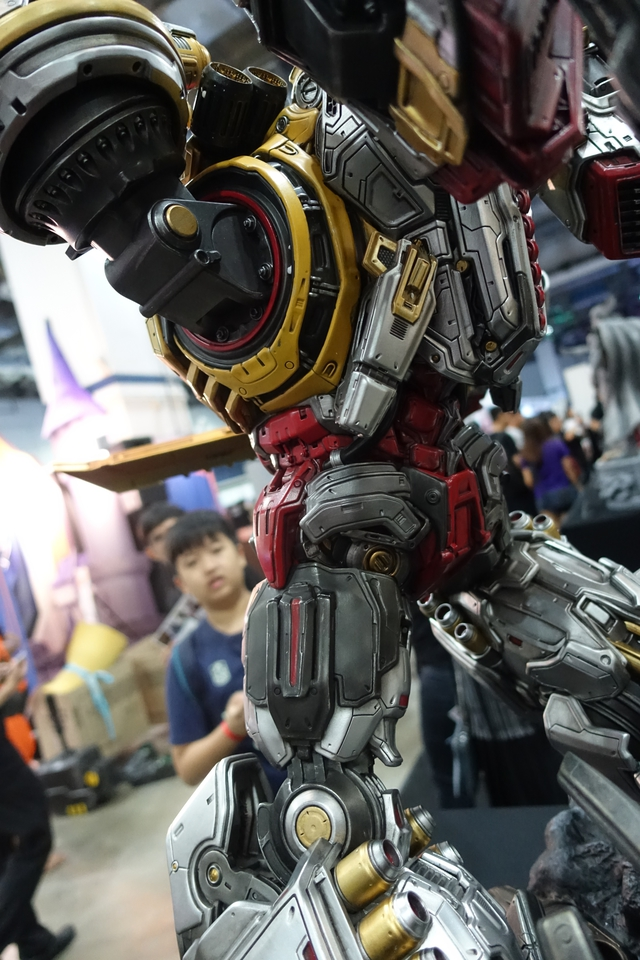 Premium Collectibles : Transformers - Grimlock (G1) Dsc01911iijqq