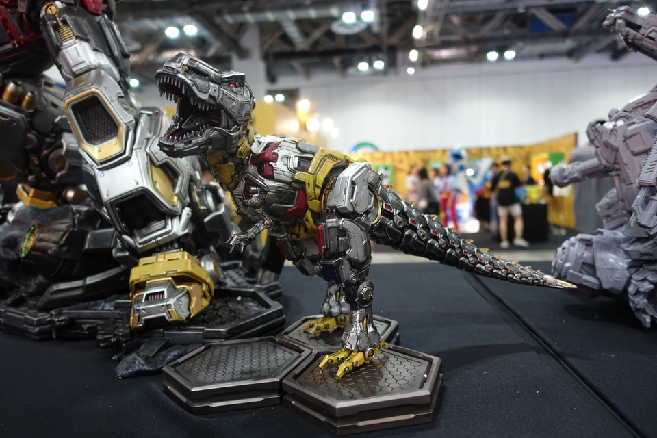Premium Collectibles : Transformers - Grimlock (G1) Dsc01912j6kla