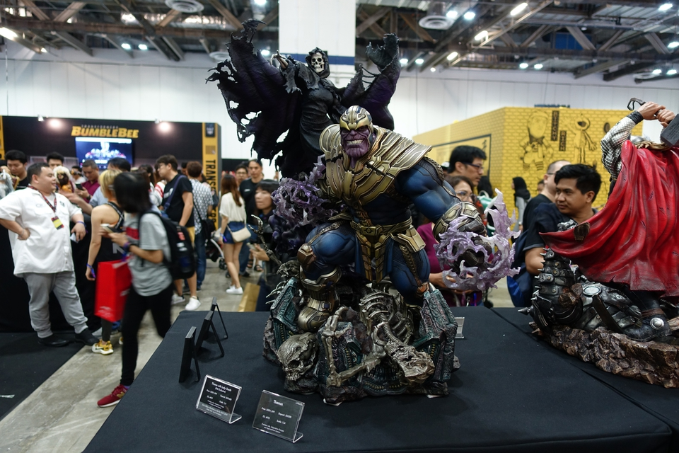 Premium Collectibles : Thanos and Lady Death Dsc02452oskzb