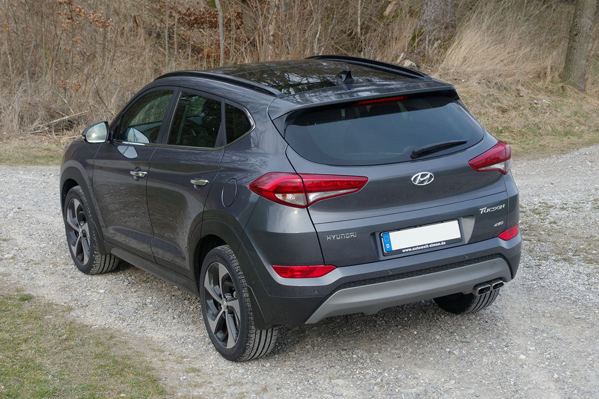 hyundai tucson impression 2 0 crdi automatik 4wd micron grey metallic eu fahrzeug aus slowenien. Black Bedroom Furniture Sets. Home Design Ideas