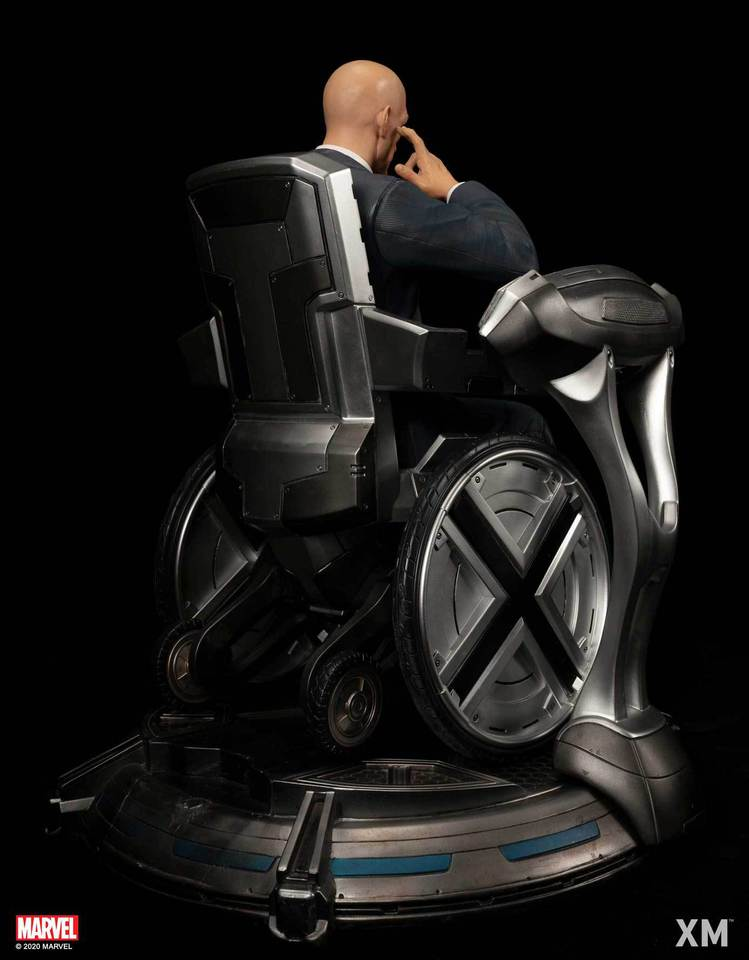 Premium Collectibles : Professor X** Dsc4861l1kgs