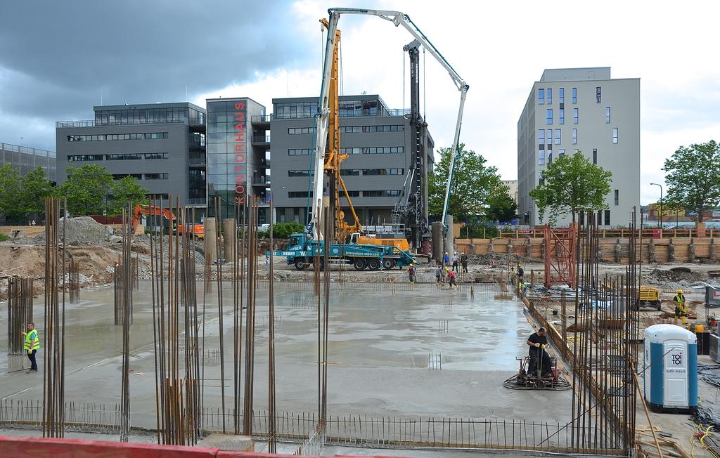 Ostend Boom Geht Weiter Links Und Rechts Der Hanauer Seite 70