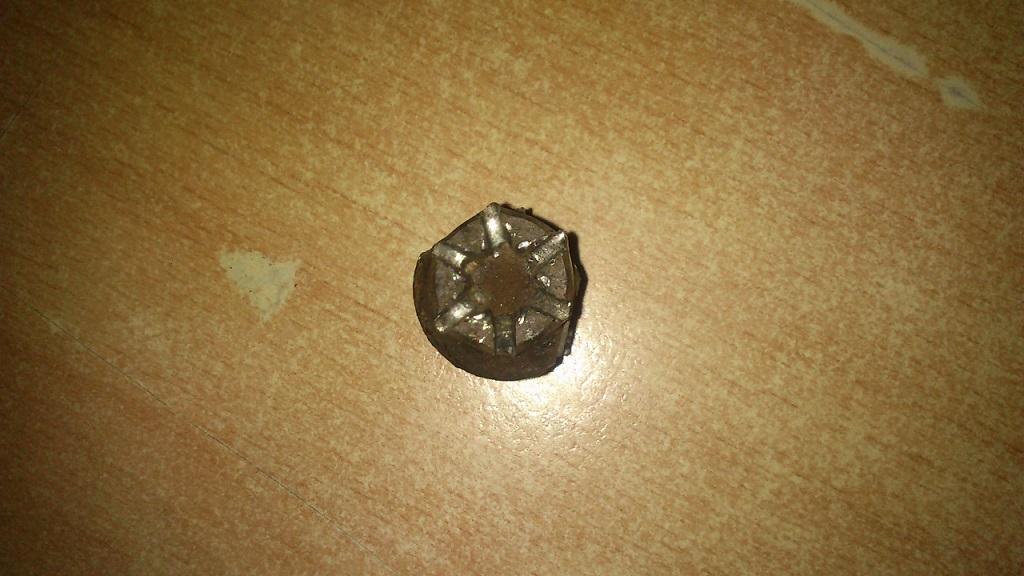 Favorit Rund gedrehte Torx Schrauben an der Hinterachse lösen (Bremsenswap DK68