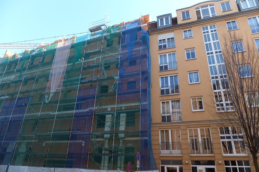 Schießschartenfenster