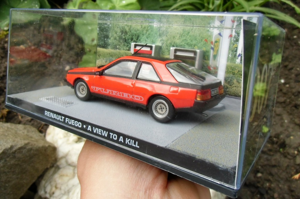 James Bond 007 Collection Renault Fuego A View To A Kill 1:43 Scale