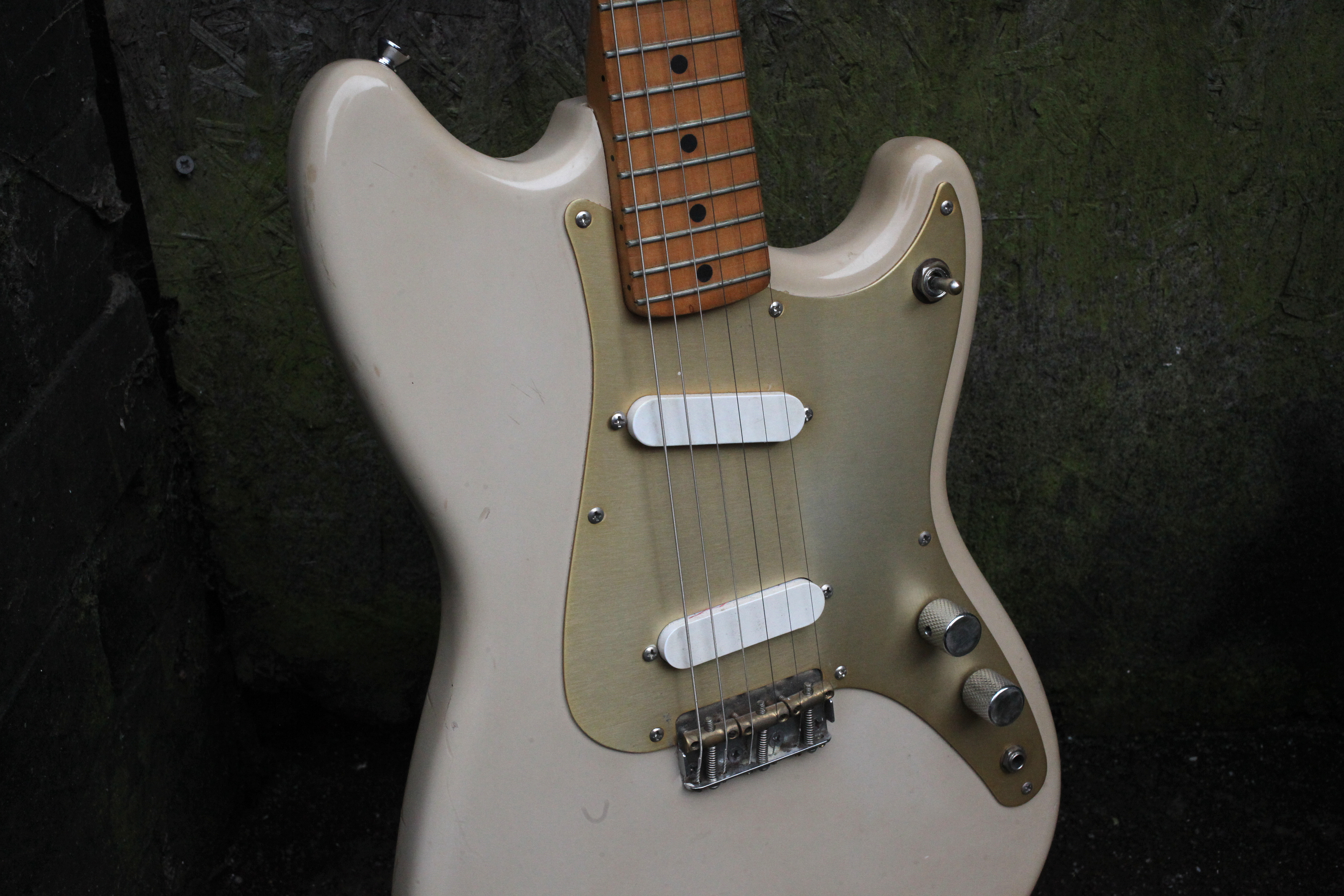 A couple questions about anodized pickguards    | The Gear Page