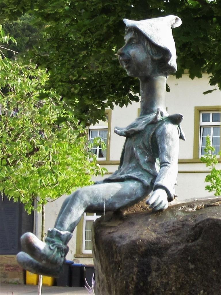 https://abload.de/img/eib-langhalsbrunnen-0dgj98.jpg