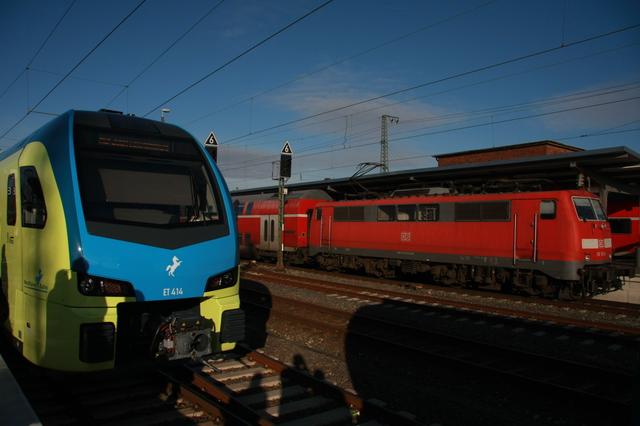 ET 414 94 80 1428 114-1 D-WFB Rheine+ 111 174-9 Rheine