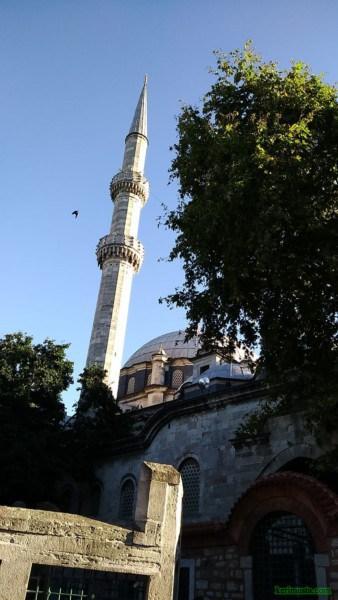 [Resim: eyub-sultan-camii-reffiu3.jpeg]