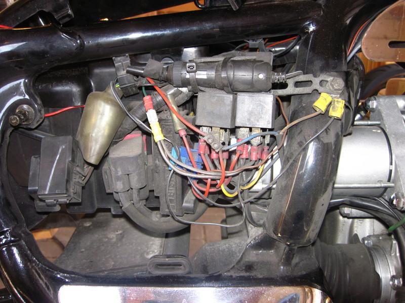 f6c0495zusatzelektrik1arec.jpg