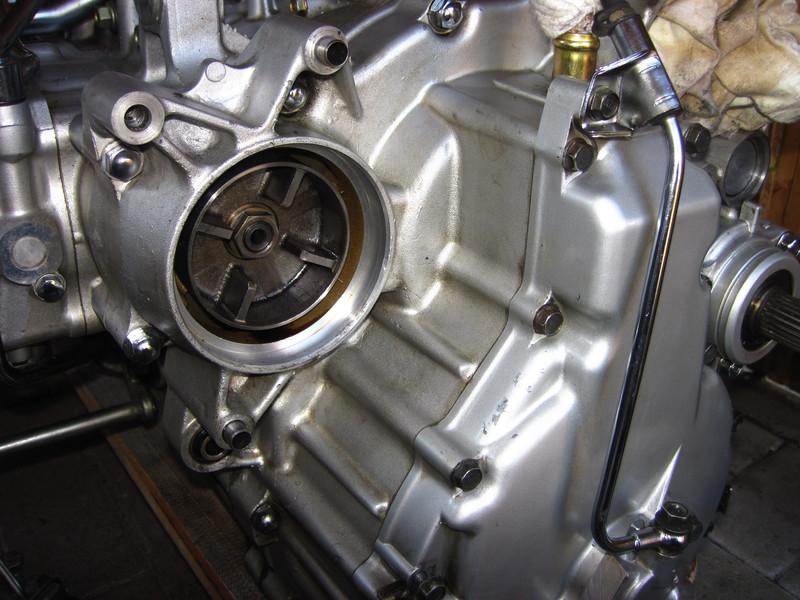 f6c1443motorhintenlino7k2v.jpg