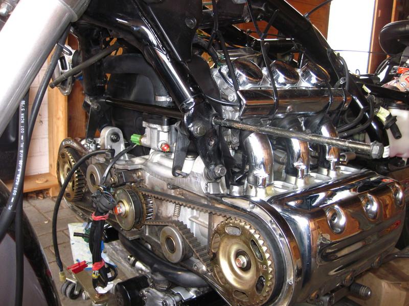f6c1524vorderermotortyekl0.jpg