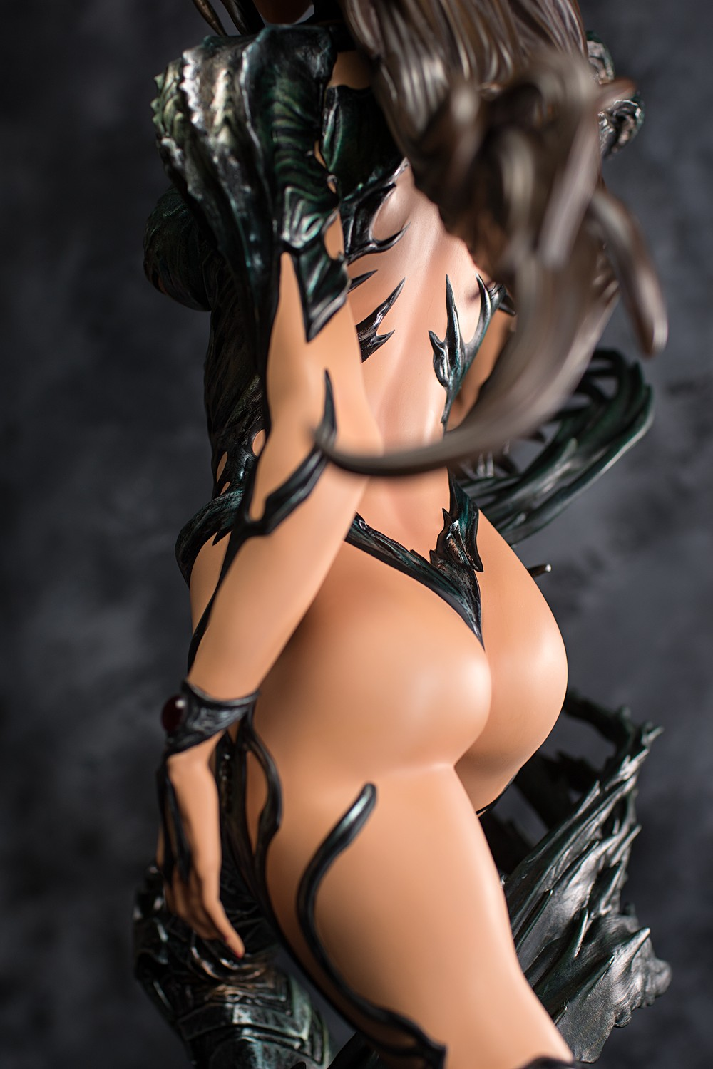Premium Collectibles : Witchblade - Page 5 Fig-witchblade-04mak4y