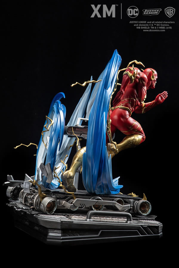 Premium Collectibles : JLA Flash 1/6**   Flash005t9kfb