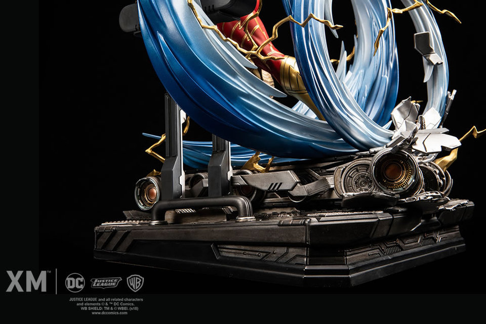 Premium Collectibles : JLA Flash 1/6**   Flash013ymjyf