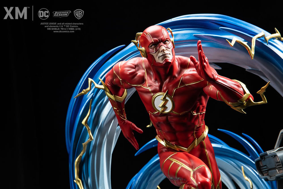 Premium Collectibles : JLA Flash 1/6**   Flash01421jli