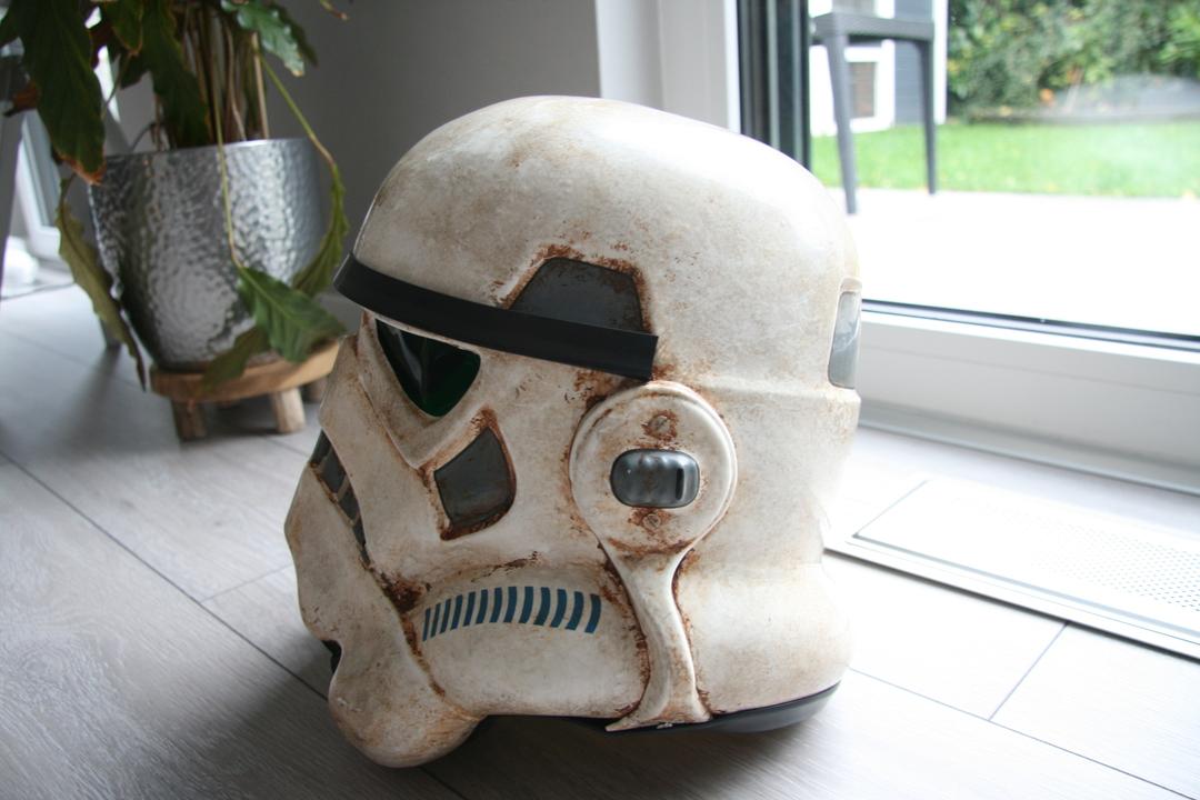 helmet02uxjgt.jpg
