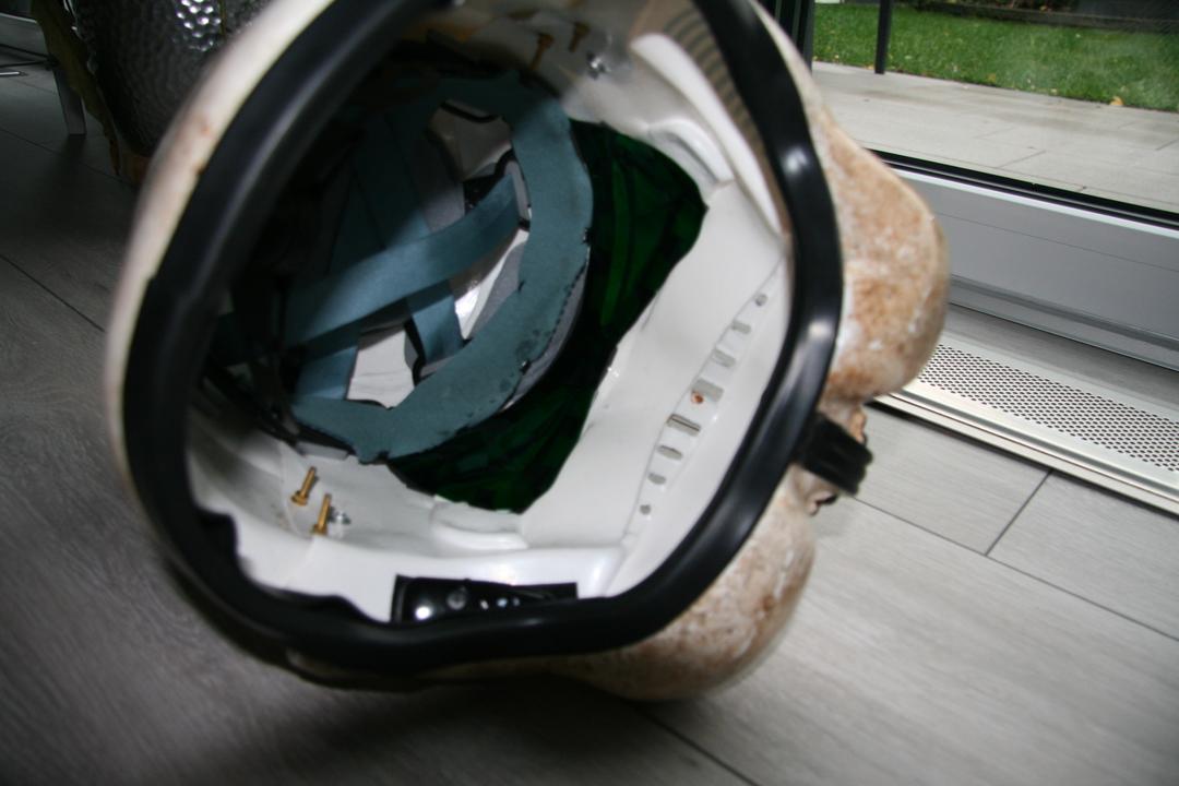 helmet09wgkpm.jpg