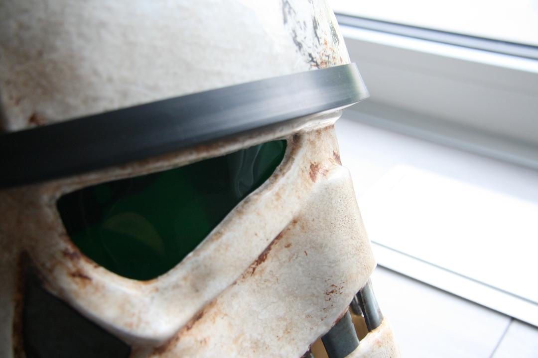 helmet10ioj5v.jpg