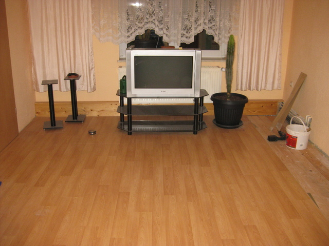 subwoofer dayton um15 22 chassis subwoofer hifi forum. Black Bedroom Furniture Sets. Home Design Ideas