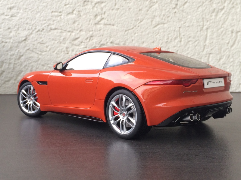 Modellbau Jaguar ~ 1 18 jaguar f type r von autoart composite modelcarforum