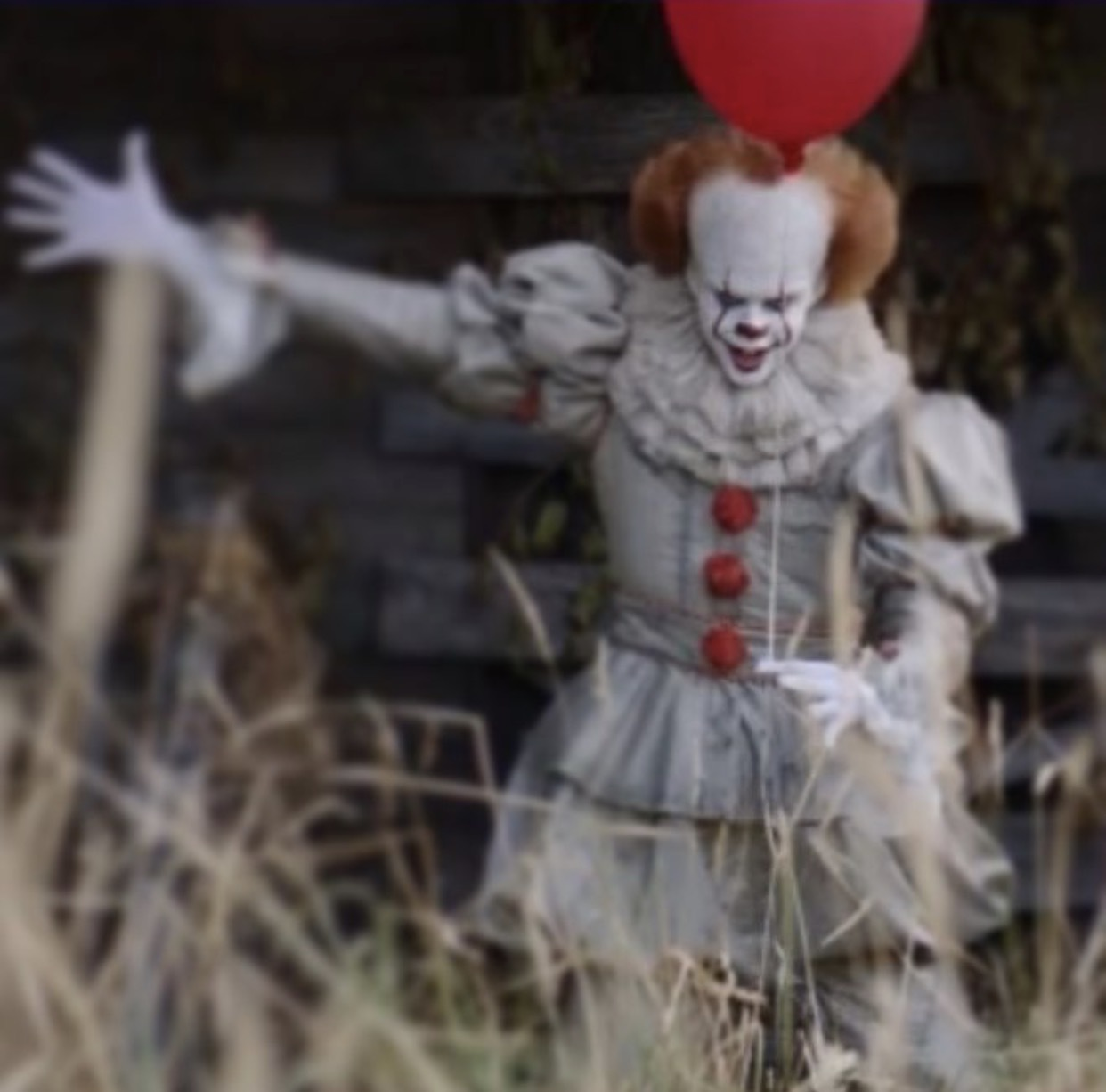 new look at pennywise from stephen king s it ohnotheydidnt