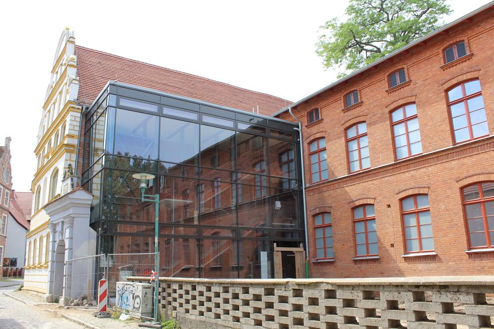 Domschule Güstrow: Barlachstadt Güstrow: Bauprojekte Und Stadtplanung
