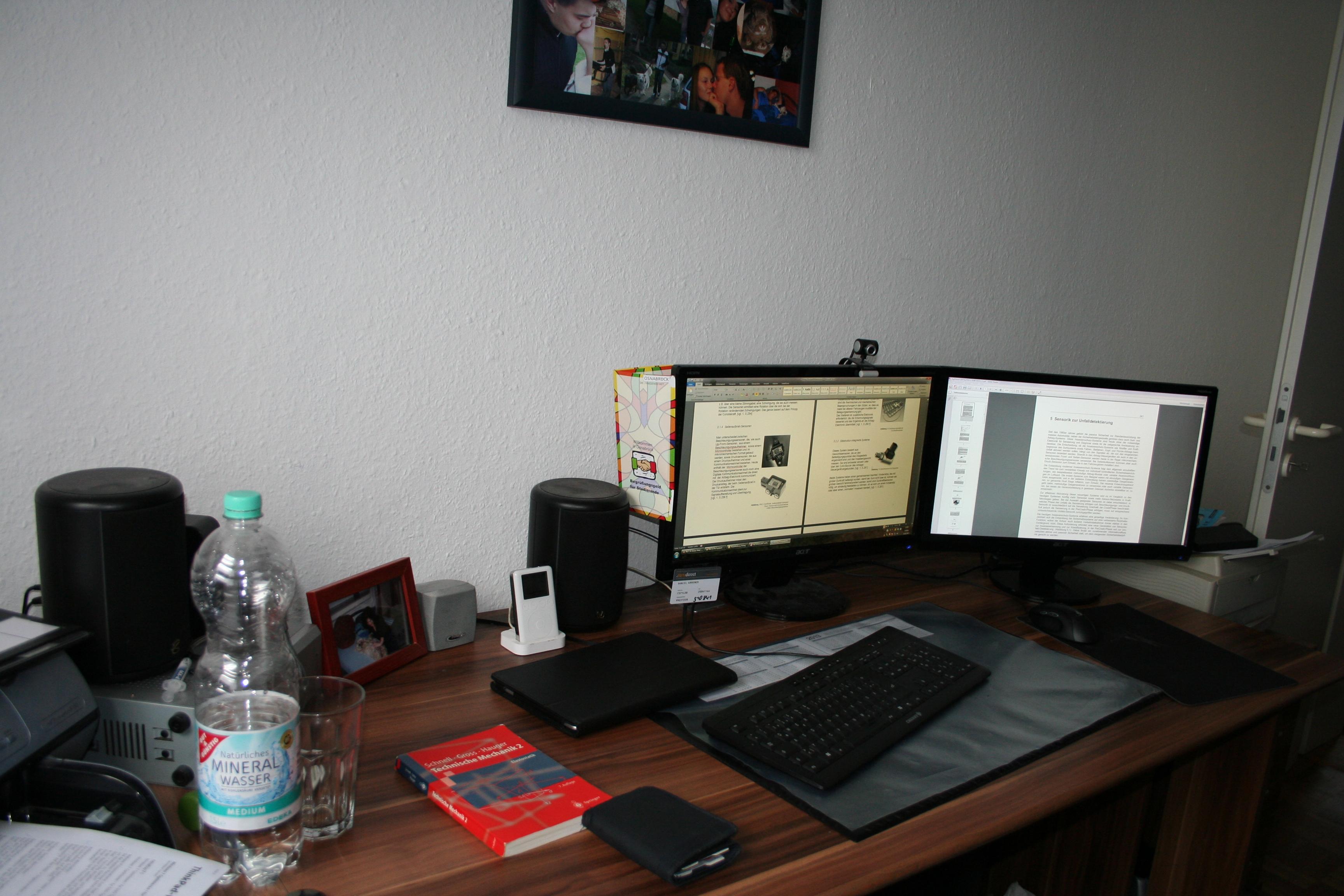 laptop mit zwei monitoren verbinden sim forum. Black Bedroom Furniture Sets. Home Design Ideas