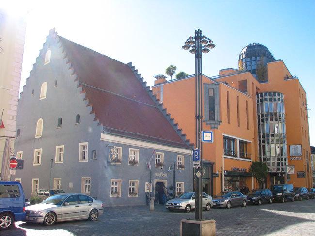 sparkasse niederbayern mitte theresienplatz