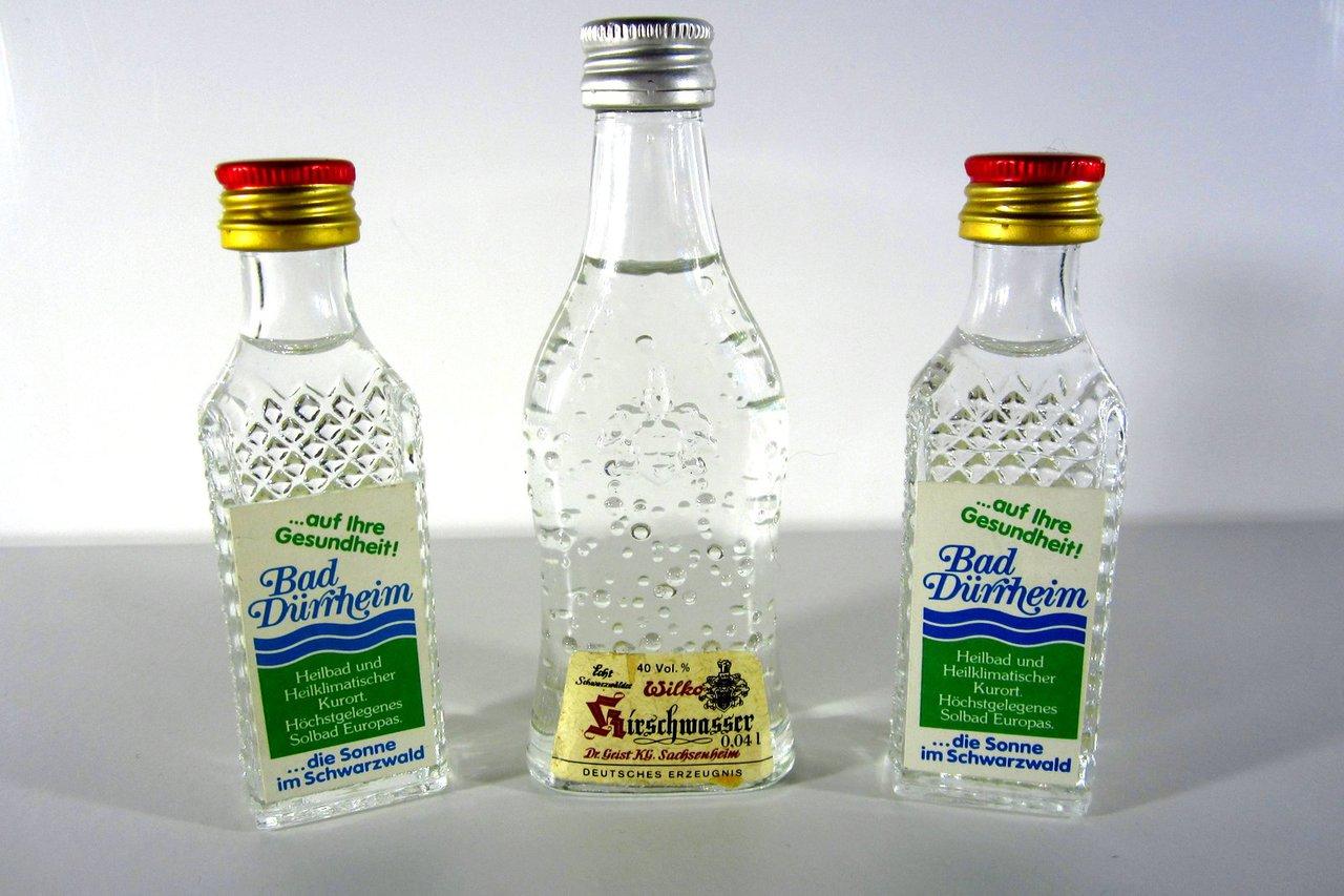 3 alte Miniaturen Schnaps Flaschen Bad Dürrheim Himbeergeist Wilko ...