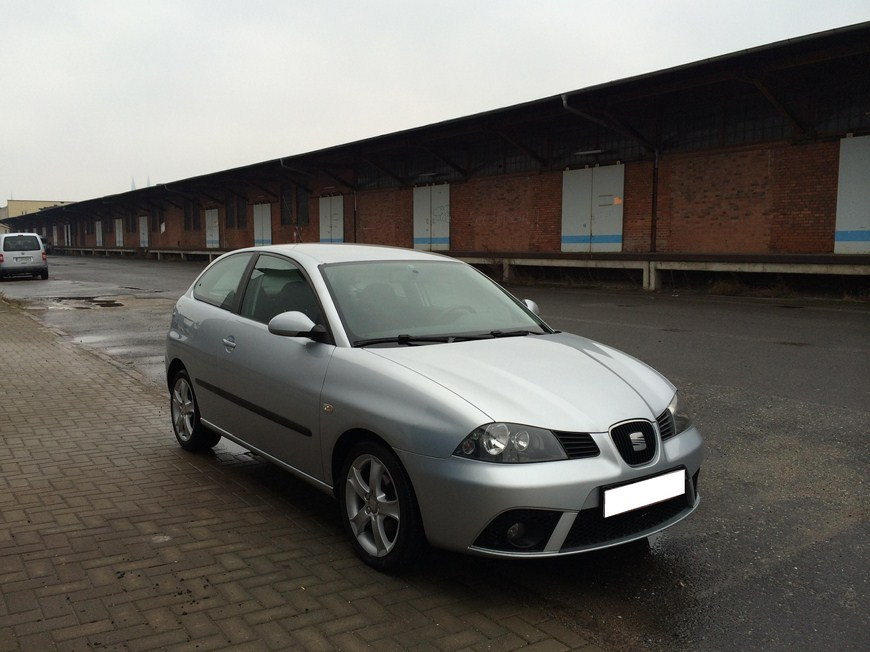 seat ibiza 1 4 16v sport edition baujahr 2006 klima bc. Black Bedroom Furniture Sets. Home Design Ideas