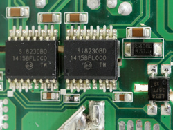 in_main_pcb_close_si82apai.jpg