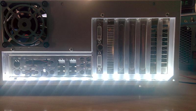 led-leiste-mainboard-2mqhd.jpg