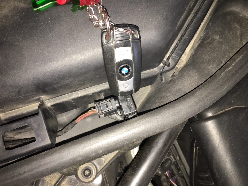 AUC-Sensor defekt     WO SITZT DER ? - Allgemein - E60-Forum de