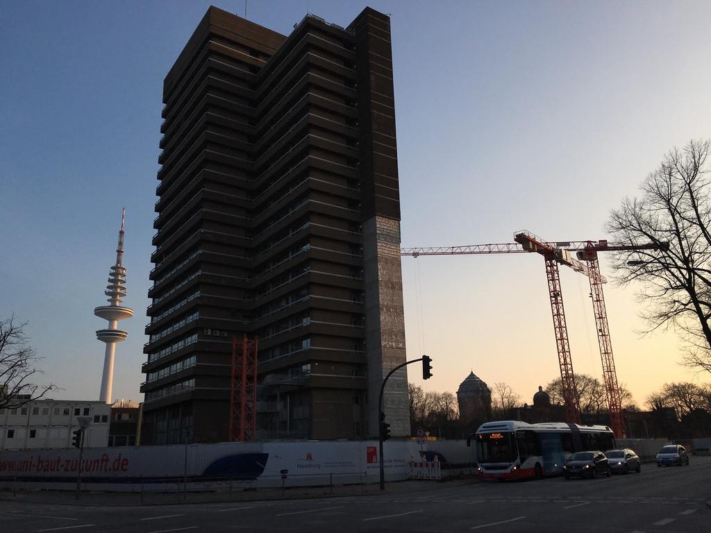 uni hamburg renovierung neubau ausbau seite 2 deutsches architektur forum. Black Bedroom Furniture Sets. Home Design Ideas